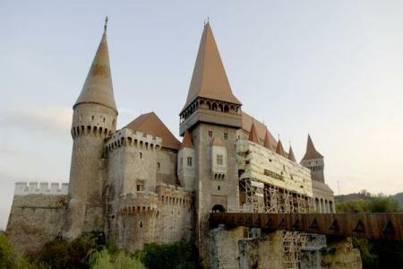 Corvin Castle promoted through cutting-edge technology at Lugano international tourism fair