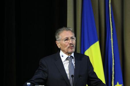 Former president Constantinescu thanks anti-communist resistance