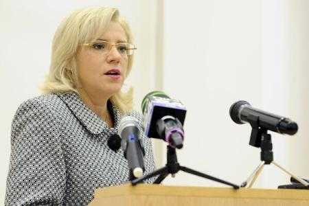 Commissioner Cretu: EC to help member states have high absorption rate in 2015