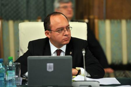 ForMin Aurescu discusses with John Kerry about post-vote situation in Moldova