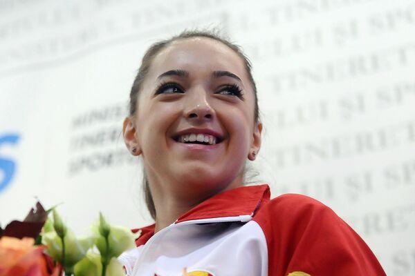 Gymnastics: Larisa Iordache wins gold in the 2014 Glasgow World Cup Gymnastics