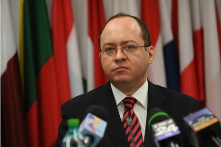 ForMin Aurescu says surprised at allegations of Romanian weapons having been delivered to ISIL