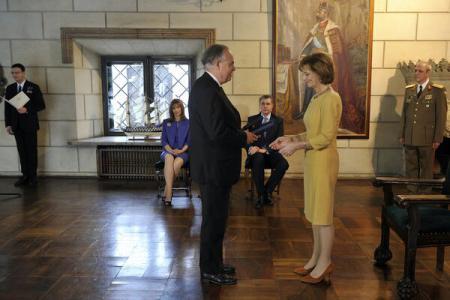 Personalities of Romania, France, US, decorated by Princess Margareta