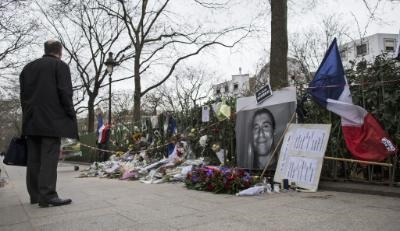 FM signs book of condolences for Paris shooting victims