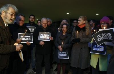 Union of Cyprus Journalists organises rally to protest Paris attacks