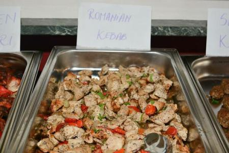 Indian invents 'Romanian kebab', hopes local traditional cuisine embraces it