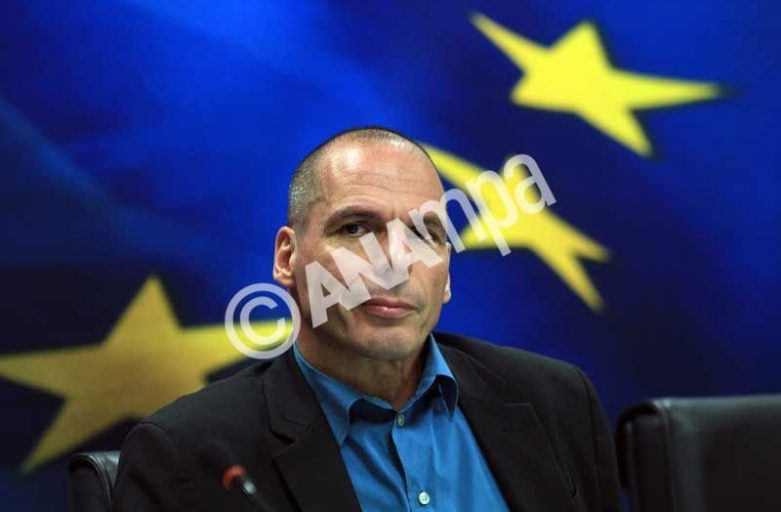 FinMin Varoufakis to FT: Greece will opt for debt swap, rather than writeoff