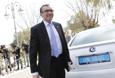 Eide meets leaders and holds press conference on Cyprus talks
