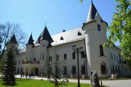BEYOND HISTORY The Karolyi Castle of Carei, where legends blend with history