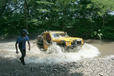 70 crews set out in first round of National Offroading Championship, the Free Dacians Trophy