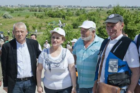 Volunteers clean up wild area in Bucharest, Municipality to decide protection