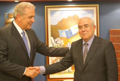 Commissioner Avramopoulos expresses EU support to Cyprus' efforts to address the immigration issue