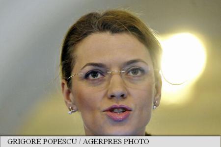 """PNL's Gorghiu: Liberals initiate """"popular motion"""" to dismiss PM Ponta"""