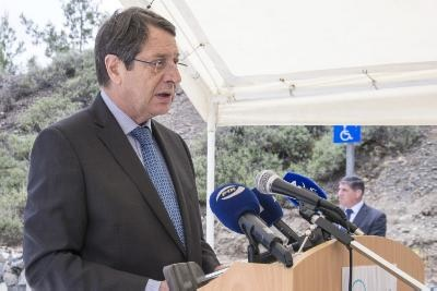 Anastasiades says government makes enormous efforts for the economy