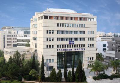 """Hellenic Bank in """"advanced talks"""" over a possible acquisition of Pireaus Bank Cyprus"""