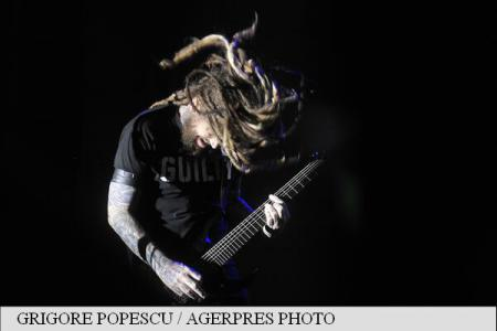 Korn performs to a crowd of nearly 5,000 in Bucharest City