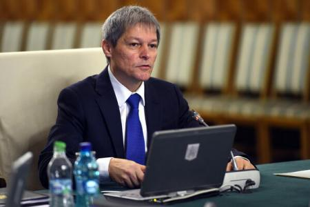 PM Ciolos: I underline connection between some budget-related measures on salaries and administration reform