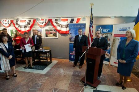 Dean Thompson opens US Alumni Fair organized by US Embassy