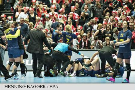 Women's handball: Romania qualifies to World Championships semifinals in Denmark, saddens 12,000 spectators