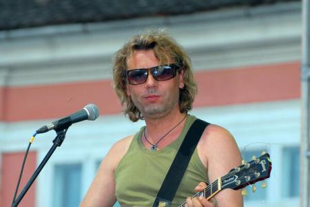 #ColectivMemorial Guitarist Victor Solomon (Bandidos): Memorial should sit in a visible spot