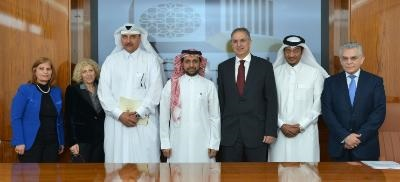 Education Minister discusses bilateral cooperation with Qatari counterpart