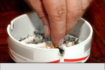 Over 70pct of Romanians in favour of smoking ban in all public spaces
