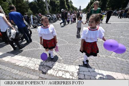 PM Ciolos on Children's Day: Children are our only hope for a better future