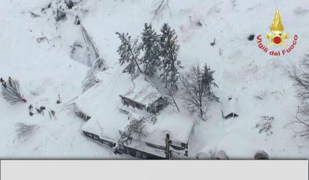 Three Romanian nationals in hotel hit by avalanche in Italy, rescue ops underway