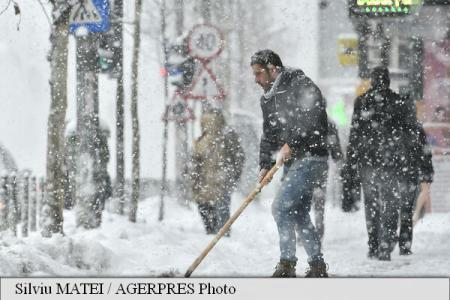 Codes Orange, Yellow for snowfall and blizzard in 15 counties and Bucharest starting Tuesday night